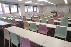 100名机椅子のレイアウト例 セミナー 講演会 研修会