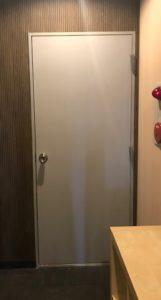 トークイベント 入口ドア