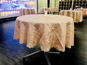 秋葉原ハンドレッド テーブル