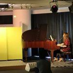 グランドピアノ1台