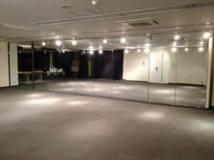 9メートルの鏡面がある貸しレンタルスペース 貸し会場